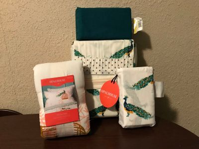 Opalhouse King Sheet Set w/Sham and extra pillow cases