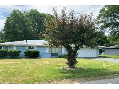 3 Bed 2 Bath Preforeclosure Property in Lakeville, MA 02347 - Coombs St