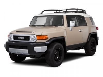 2013 Toyota FJ Cruiser Base (White)