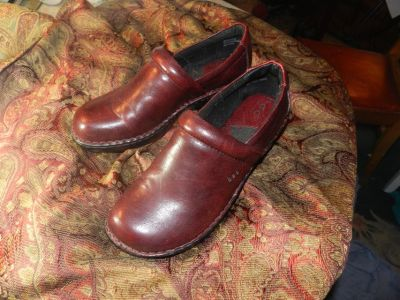 CLOGS -- BOC woman's Nadiyya clogs 10, new
