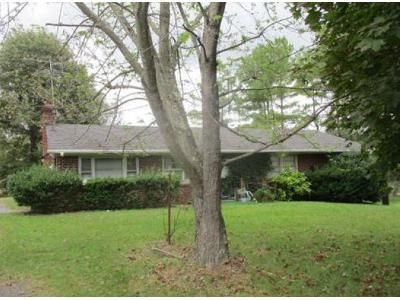 3 Bed 1 Bath Foreclosure Property in Gladstone, VA 24553 - Cove Mountain Rd