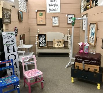 Boutique Bellamy Booth 1150 Miles Antique Mall
