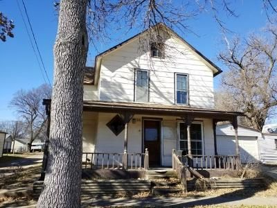 3 Bed 2 Bath Foreclosure Property in Ellsworth, KS 67439 - N Grand Ave