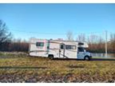 2013 Coachmen Freelander Class C in Sweet Springs, MO