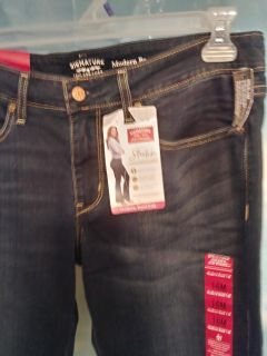 Thurs 12/21 swap.. Sz 16m levi strauss signature brand.. New with tags..
