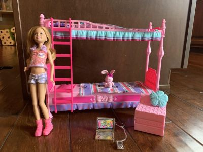 Barbie bunk bed with Stacey doll