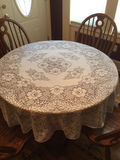 Vintage 70 Round Ivory Quaker Lace Tablecloth