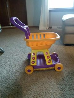 Kids push toy / grocery cart