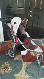 BOB Revolution Stroller with Infant Seat and Handlebar Attachments