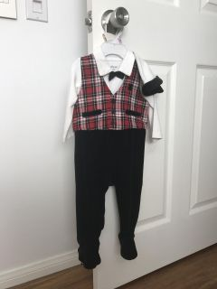 Christmas Outfit - 9 M, Little Me