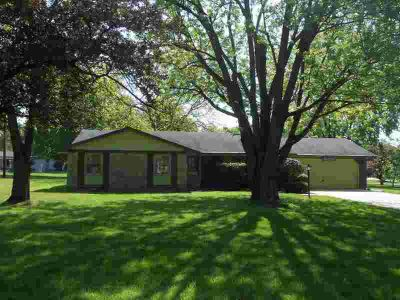 6219 Rolling Hills Drive Fort Wayne Three BR, ** Accepted offer
