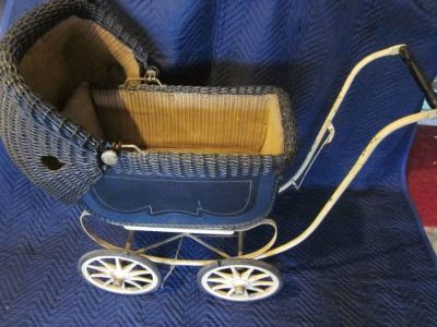 Wicker Doll Baby Carriage Buggy Stroller 2 port holes ANTIQUE