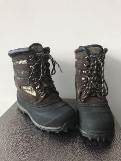 Ranger Thermolite Performance Insulation Black/Camo/Brown Boots, Size 5. Great condition!