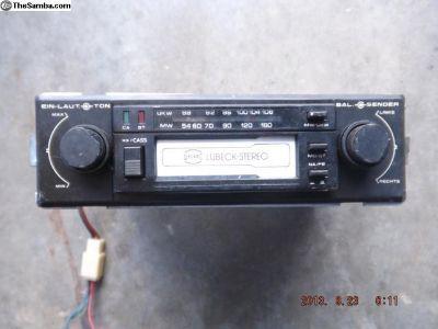 Vintage Porsche 911 Blaupunk Lubeck Stereo Radio