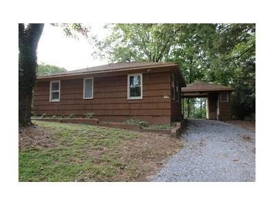 2 Bed 2 Bath Foreclosure Property in Gadsden, AL 35904 - Harts Ave
