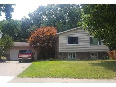 Foreclosure Property in Moline, IL 61265 - 16th Ave