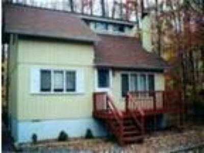 Beautiful Poconos House available for Rent weeknds/days - House