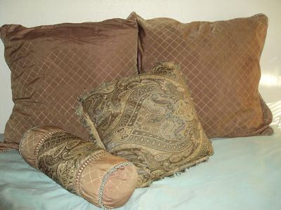$35, Elegant Set of Decorative Bed Pillows