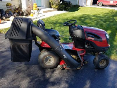 """Craftsman Riding lawn mower 42"""" with new bagger"""