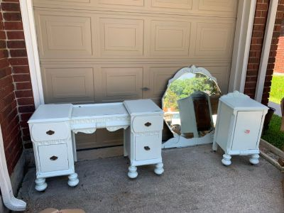 Antique vanity and end table