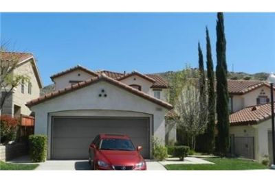 Bright Sylmar, 4 bedroom, 3 bath for rent. Parking Available!