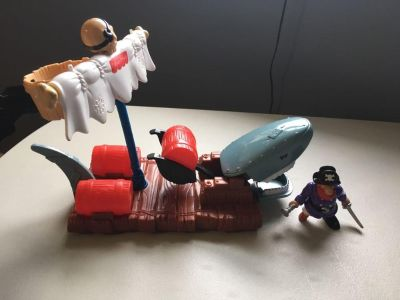 Fisher price shark raft and pirate - total of 5 pieces