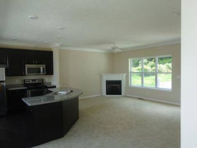 3 Beds - Clinton Lake Townhomes
