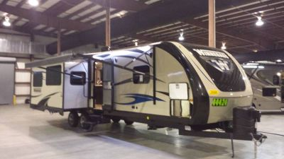 2016 Winnebago Ultralite 31RLSS