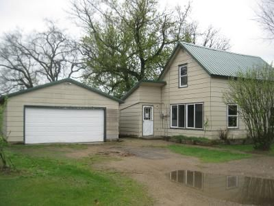 2 Bed 1 Bath Foreclosure Property in Staples, MN 56479 - Kansas Ave SW