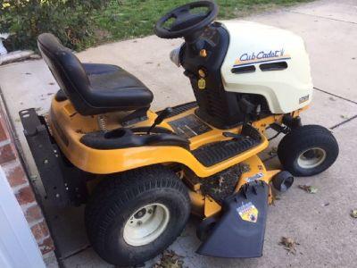 Cub Cadet Lawn Mower - LT1018