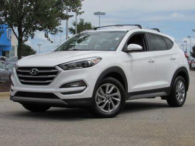 2017 Hyundai Tucson (Dazzling White)