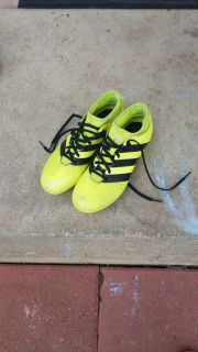 Adidas soccer cleats size 7 1/2