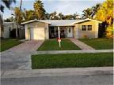 NORTHLAKE (Hollywood) 3/2 Newly Renovated Home with OCEAN ACCESS