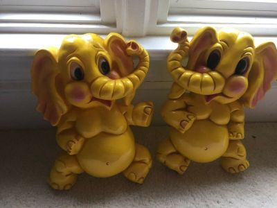 "Wall Decor - Vintage Yellow ""Homco"" Cast Elephants/1973/Right and Left"