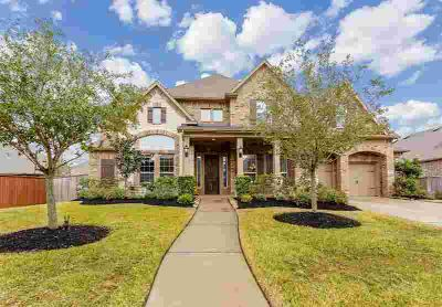 8911 Sage Thistle Trail Richmond Five BR, A HUGE LOT is home to