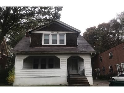 3 Bed 1.0 Bath Preforeclosure Property in Cincinnati, OH 45227 - Watterson St