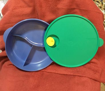 """Used once - TUPPERWARE- CrystalWave* Divided Dish. Hot or Cold. Has 'Vent tab' for Microwave heating. BIG 10"""". Read below"""