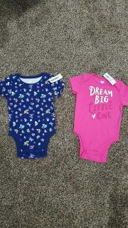 Nwt Old Navy onesies size 6-12 months