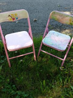 2 pink used kids folding chairs princess and tinkerbell