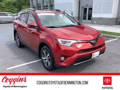 2017 Toyota RAV4 XLE (Red)