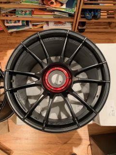 OZ Centerlock Wheels for GT3