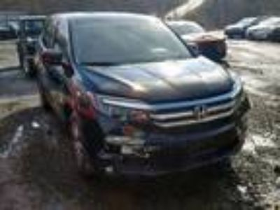Salvage 2018 HONDA PILOT EX for Sale