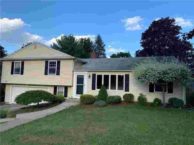 7 Wagon Wheel LANE LINCOLN, Move in condition Four BR and