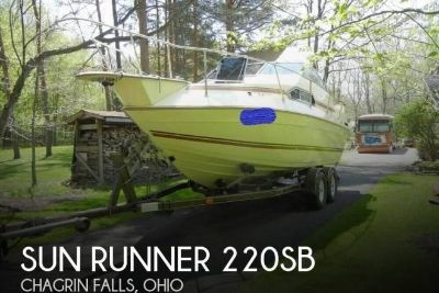1985 Sun Runner 220 SB