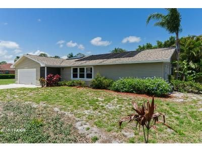 3 Bed 2 Bath Foreclosure Property in Port Saint Lucie, FL 34952 - SE Blockton Ave