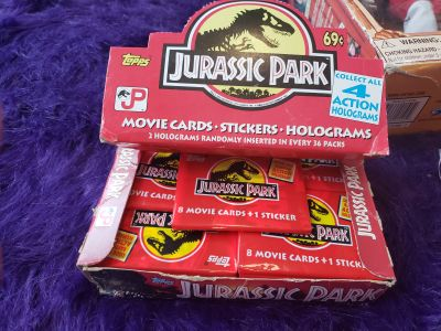 Jurrssic Park.Box of sealed trading cards 1992
