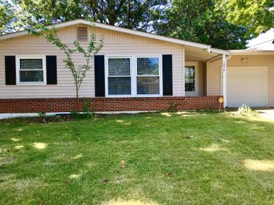 $1225 4 apartment in Florissant
