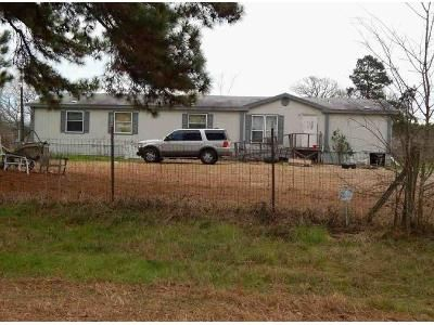 3 Bed 2 Bath Foreclosure Property in Troup, TX 75789 - County Road 4905