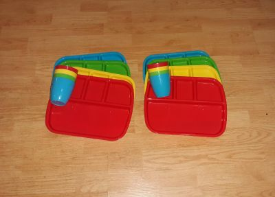Kids Divider Plates w/matching cups