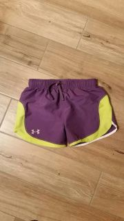 Girls Under Armour athletic shorts size medium. Excellent condition!